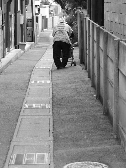 ゴミ屋敷と高齢者 03