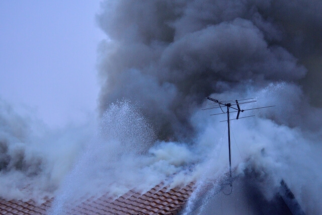 ゴミ屋敷 火災 ブログ01